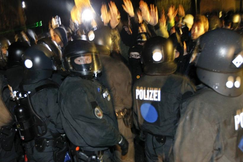 German riot police confront anti-nuclear protesters in Metzingen, on November 25, 2011.