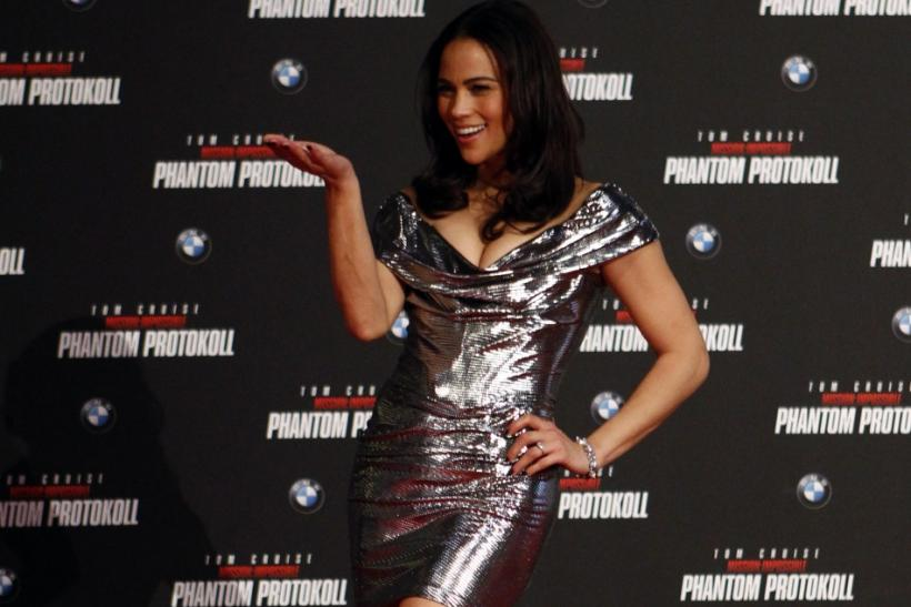 "U.S. actress Paula Patton poses on the red carpet during the European premiere of the movie ""Mission Impossible: Ghost Protocol"" (Phantom Protokoll) in Munich"