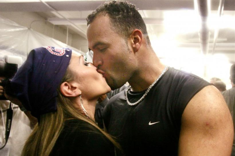 Deidre Pujols kisses her husband Albert Pujols. Photo taken in 2004.