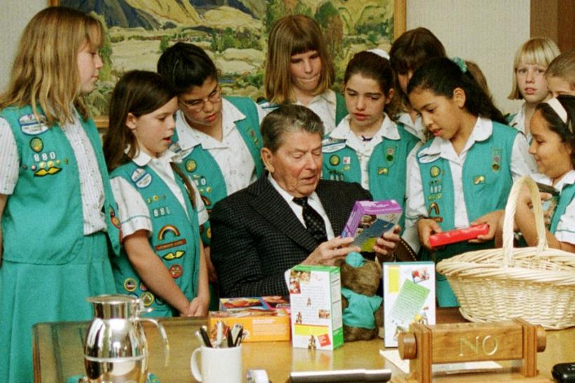Girl Scouts with former president Ronald Reagan