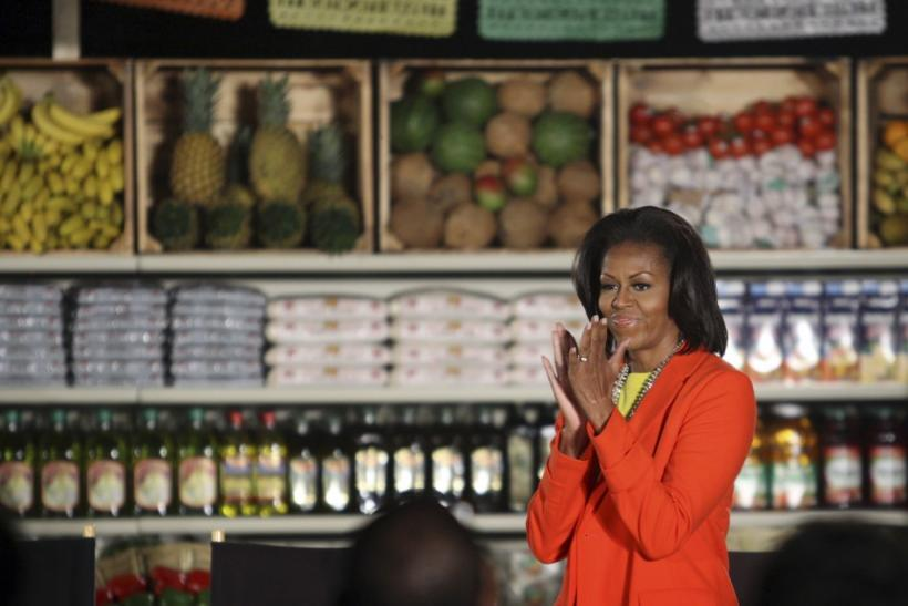First Lady Michelle Obama, who has spearheaded a healthy eating and fitness program for children for two years, will lend her voice on Thursday to the military's efforts to overhaul the food it serves.