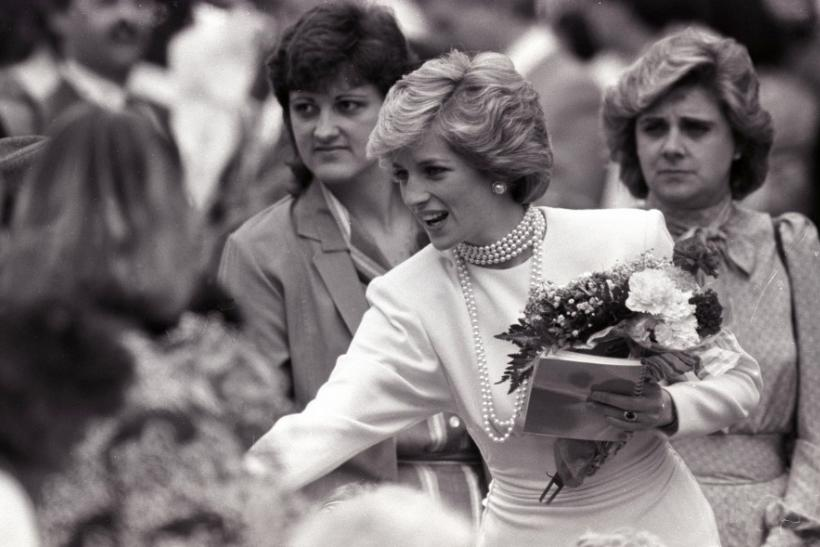 Actress Naomi Watts to Princess Diana