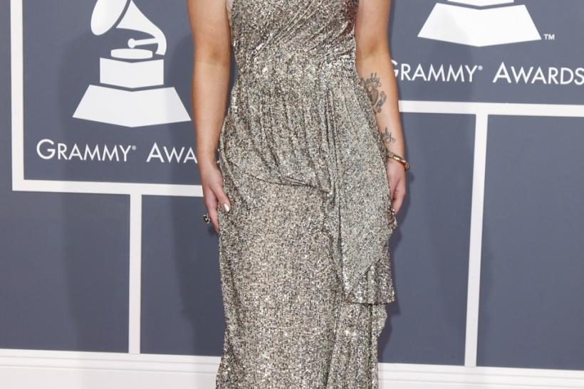 Grammys 2012 Red Carpet