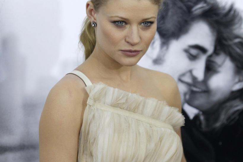 Emilie de Ravin in 'The Hills Have Eyes' (2006)