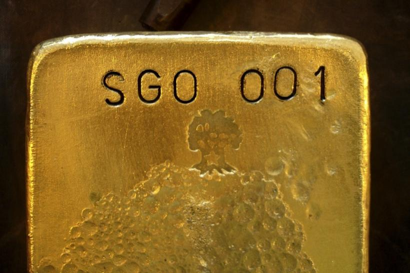 Gold Falls For Fourth Day As Euro Sags