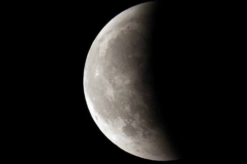 Is today the ides of March? Not if the moon is any indication.