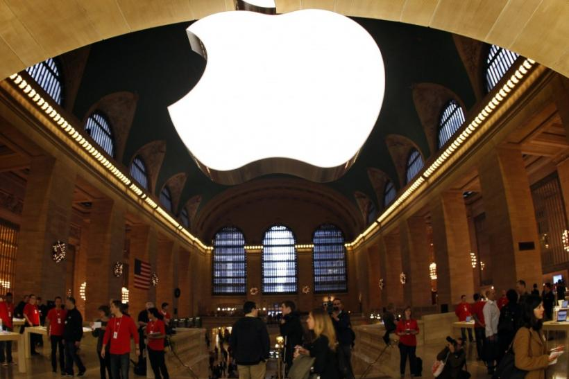 "It was a mob scene at Grand Central Terminal on Friday, with commuters and Apple fans alike trying to get a glimpse of the newly-released ""new iPad."" Thankfully, Apple had plenty of security measures in place to control the hordes of customers w"