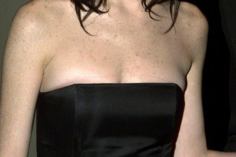 Actress Lara Flynn Boyle arrives as a guest at the St. Jude Hollywood gala March 7, 2002 in Beverly Hills.