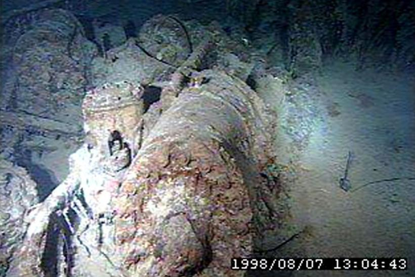 rare titanic underwater expedition images released 100