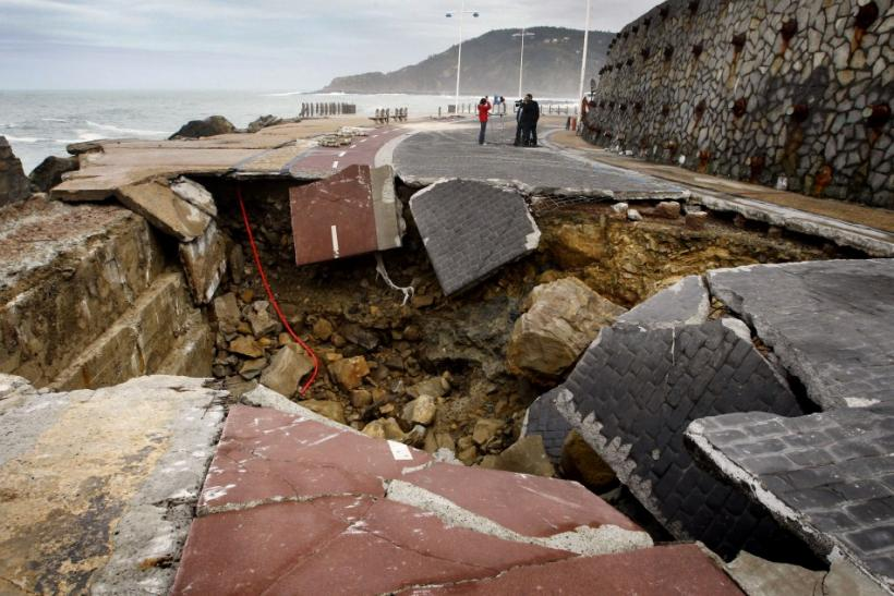 2008 Sinkhole in the Paseo Nuevo in San Sebastian