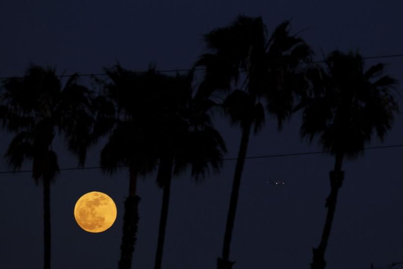 Spectacular views of Supermoon from around the World