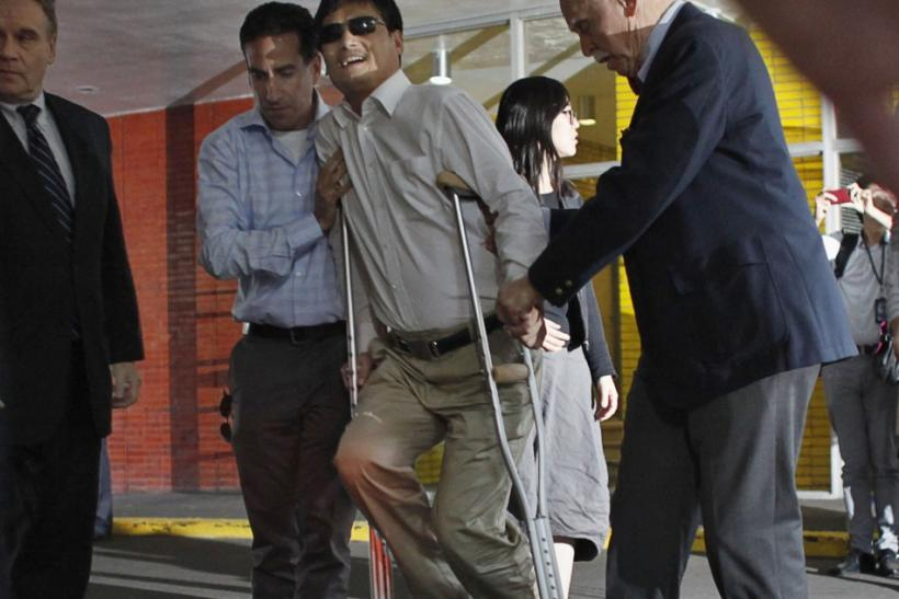 Blind Chinese activist Chen arrives in New York