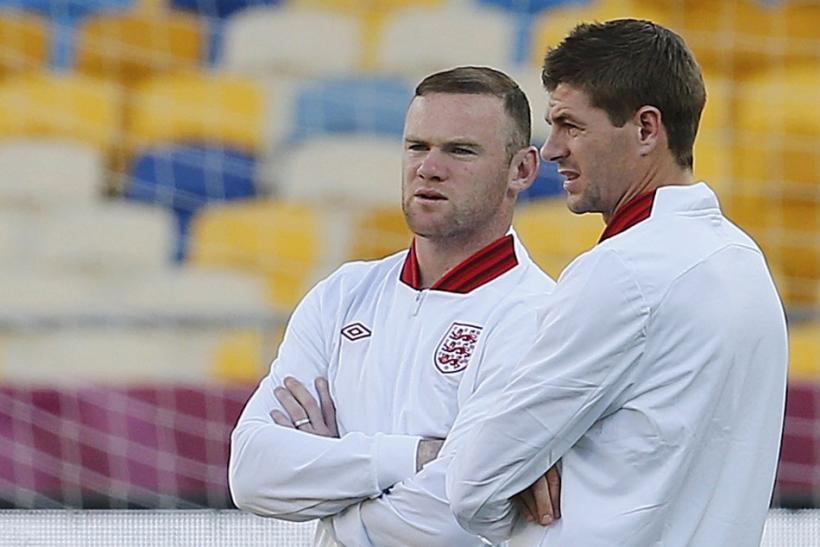 Wayne Rooney (L) and Steven Gerrard