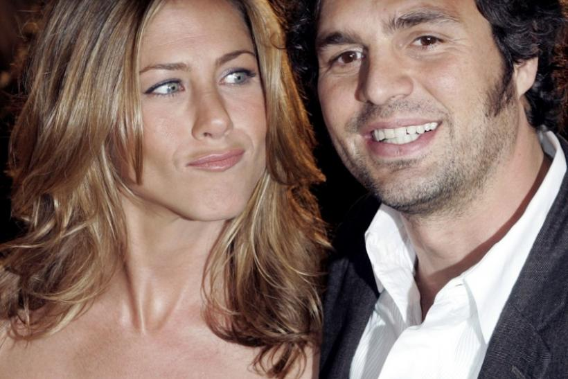 "Actress Jennifer Aniston (L) and actor Mark Ruffalo, stars of the comedy ""Rumor has it..."""