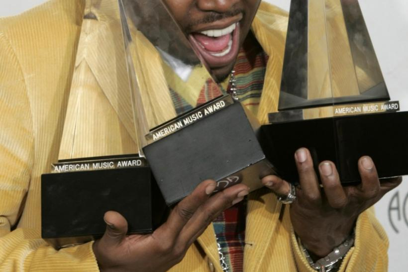 Big Boi Poses with Music Awards