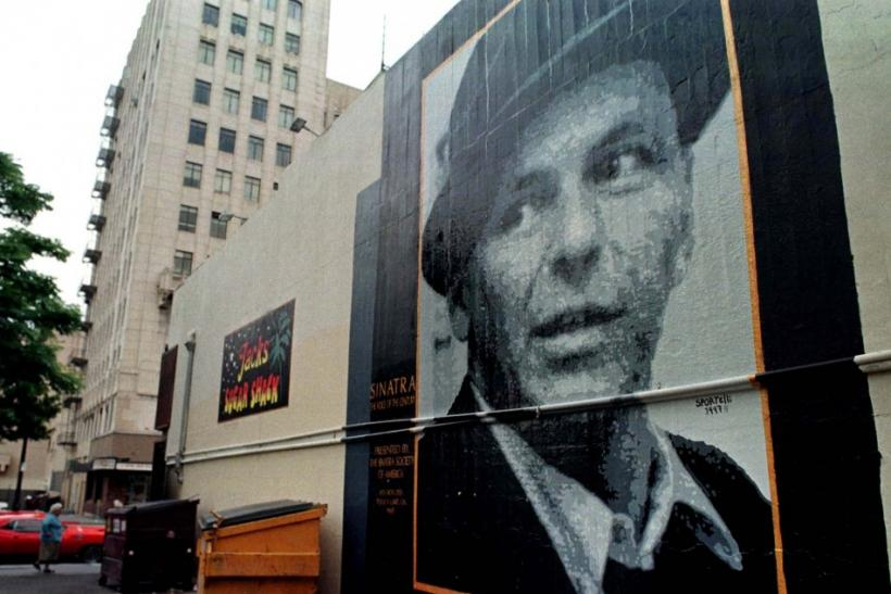 SINATRA MURAL IN HOLLYWOOD ALLEY.