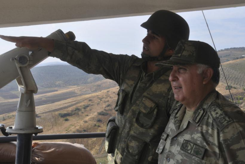 Turkish General Ozel at border outpost near Syria