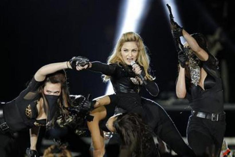 Madonna Booed For Supporting Obama