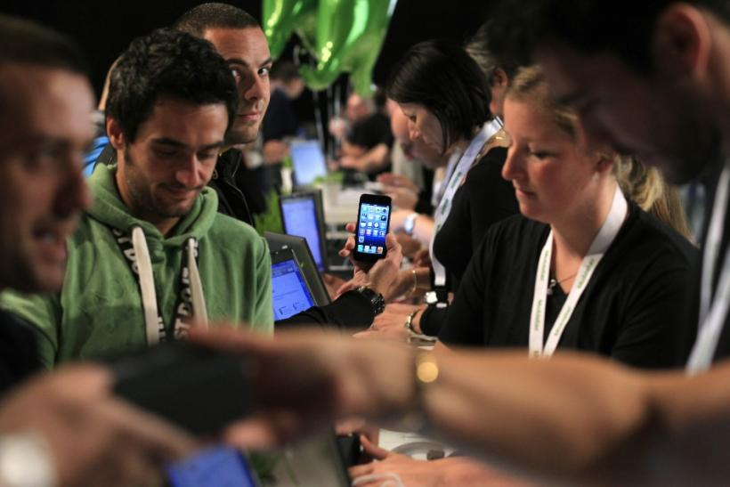 iPhone 5 Sales Boost iOS market share