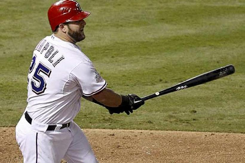 Mike Napoli could sign with the Boston Red Sox this offseason.
