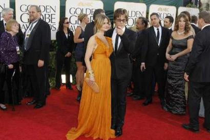 actress-kyra-sedgwick-and-husband-actor-kevin-bacon-arrive-at