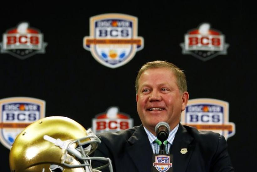 Brian Kelly Rumors: Philadelphia Eagles, Chicago Bears Tied to Notre Dame Head Coach?