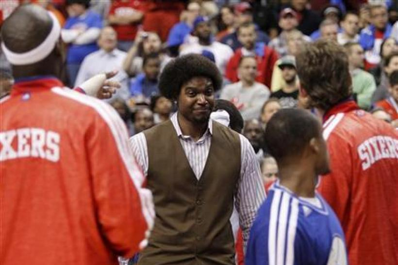 Sixers News: Phildelphia's Andrew Bynum Practices For First