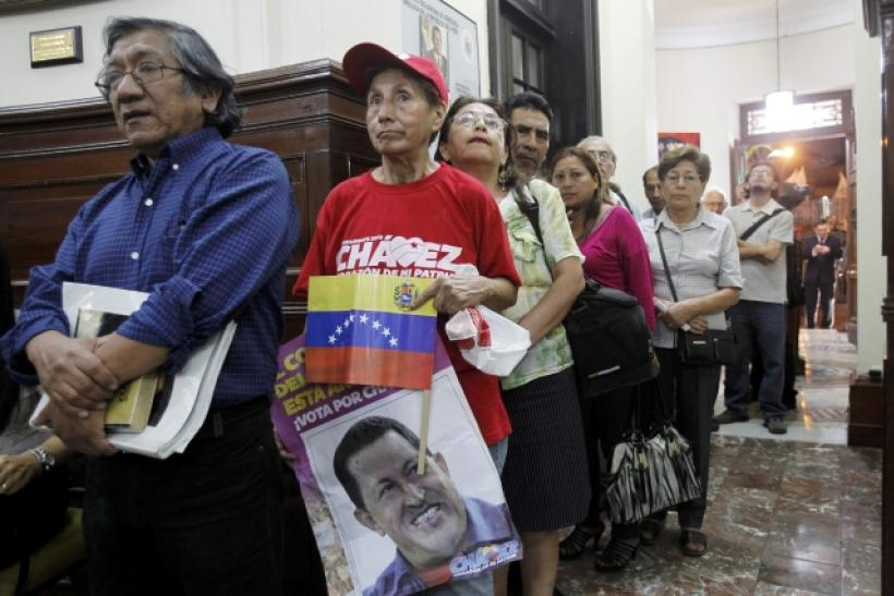 Peru's supporters of Chavez