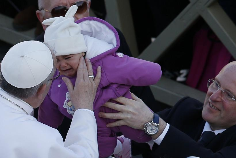 Pope Francis purple baby19March2013