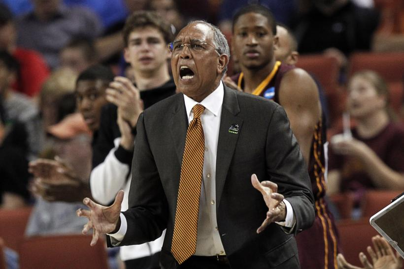 Coach Tubby Smith