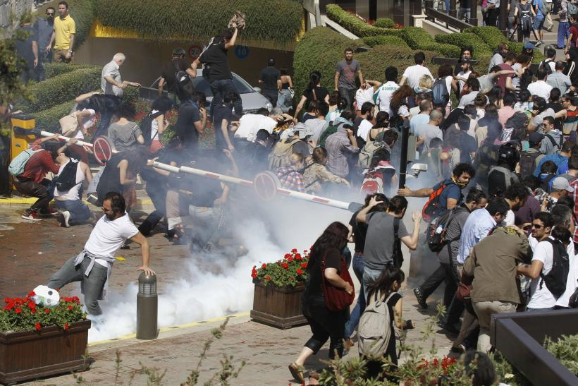 Turkey Proetest students police 31May2013