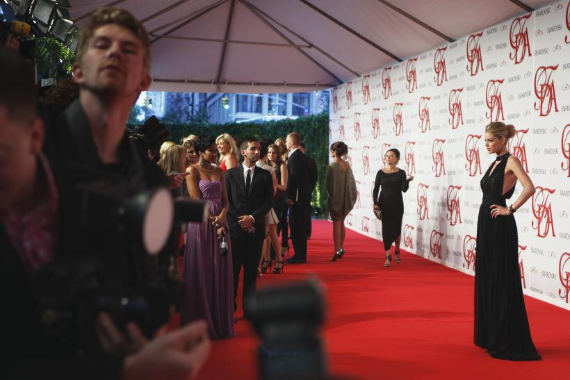 Cfda Awards 2013 Where To Watch Fashion S Designer Award Night And Red Carpet