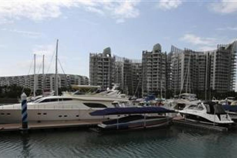 Yachts Parked In Singapore - Asian Luxury