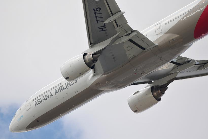 Asiana Airlines Boeing 777