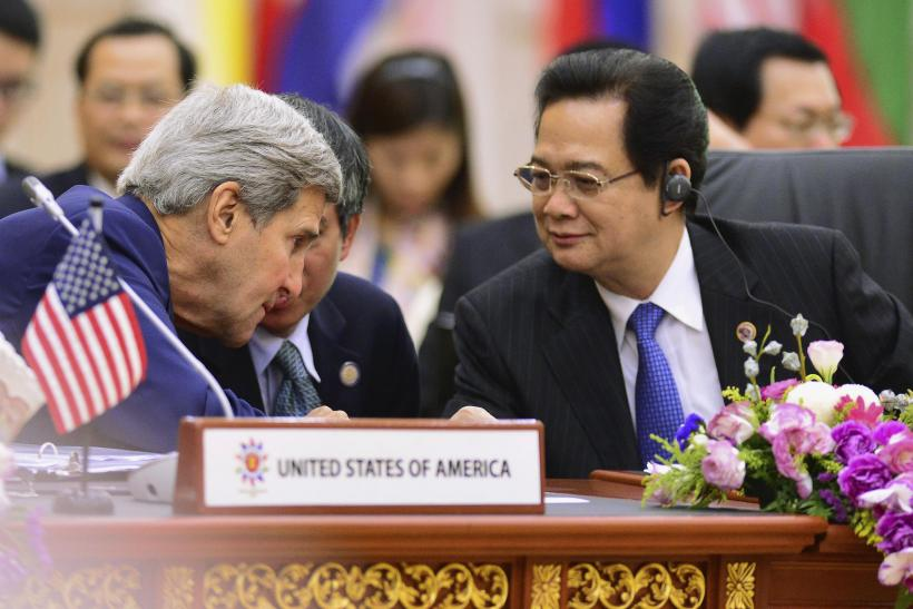 John Kerry and Nguyen Tan Dung