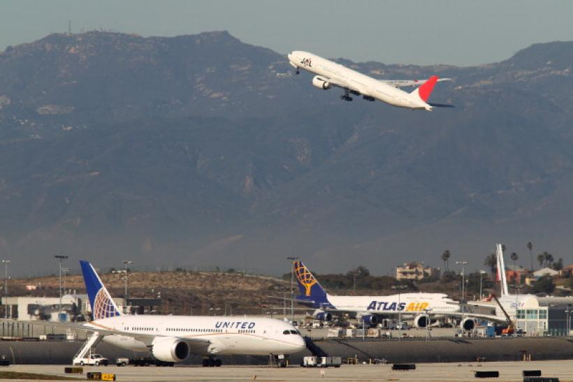 Airline Executives See Blue Skies In 2014: More Passengers