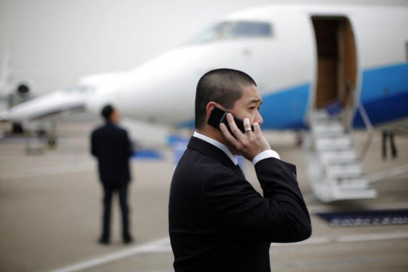 cell-phones-airlines
