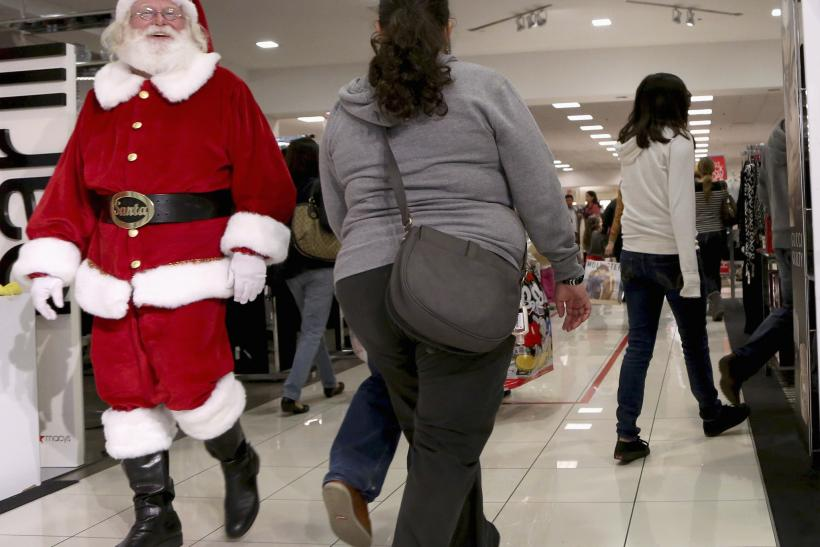 photo reuters stores open christmas eve day 2013 - What Stores Will Be Open Christmas Day