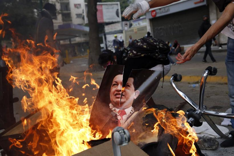 Venezuela Protesters Burn March 12
