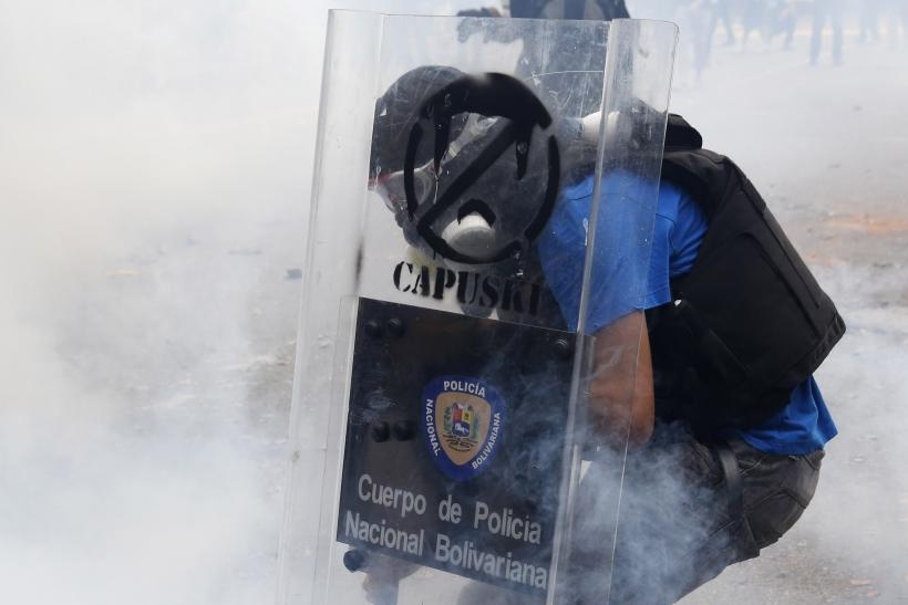 Venezuela Protesters Shield March 12