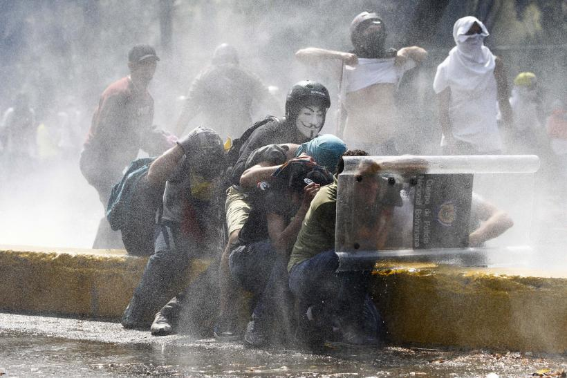 Venezuela Protesters Water Cannon March 12