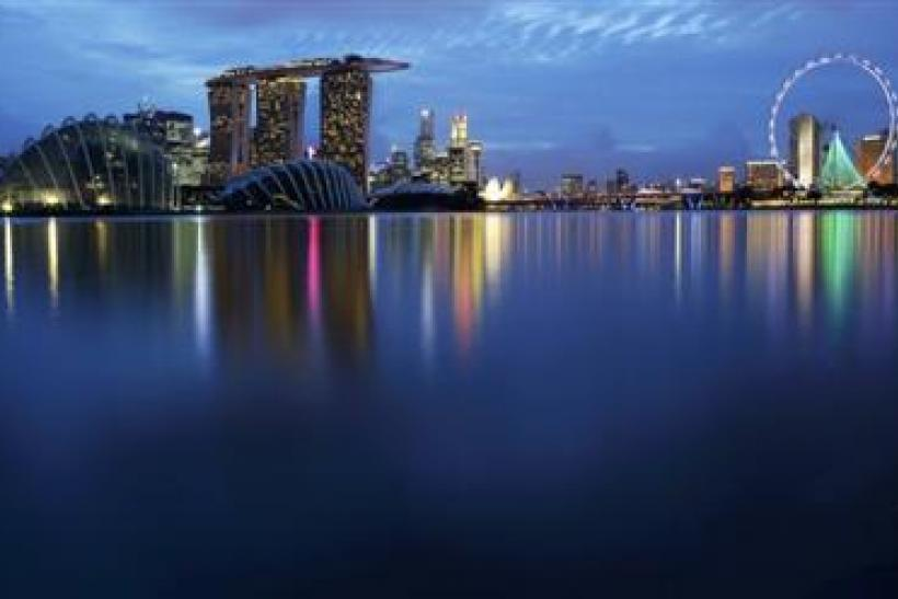 Singapore Banning Alcohol Consumption In Public Areas To Avoid Drunken Disorder