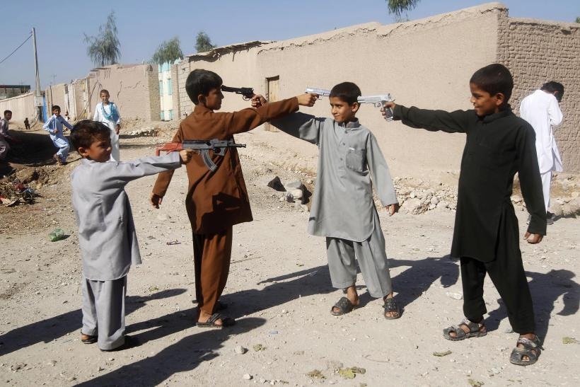 Afghanistan_Kids With Toy Guns