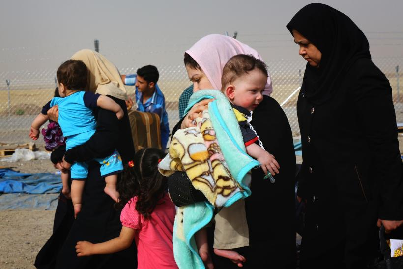 Iraqis Flee ISIL Offensive
