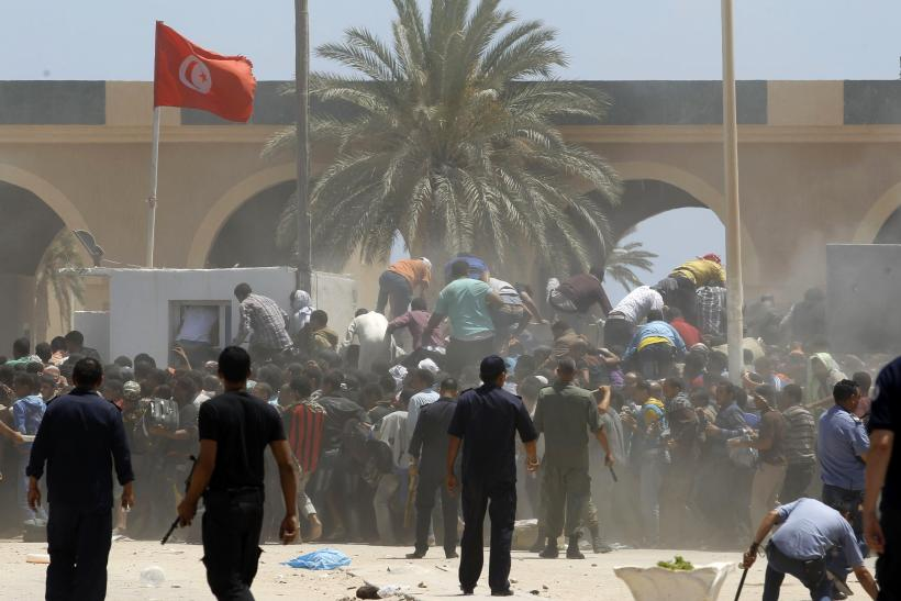 Tunisia borders shut