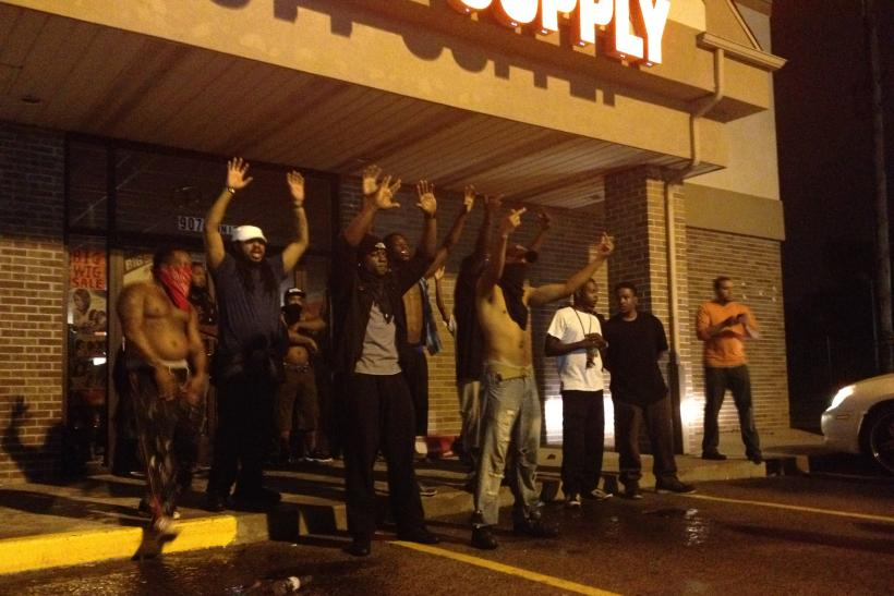 Ferguson: During Friday Police Standoff, Protesters Try To Stop ...