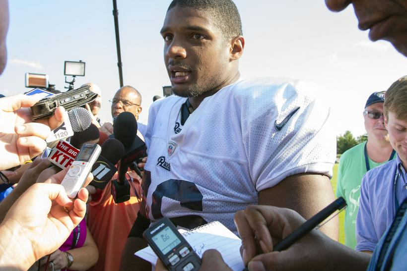 ac76ce4c4 Cowboys Sign Michael Sam To Practice Squad: Report