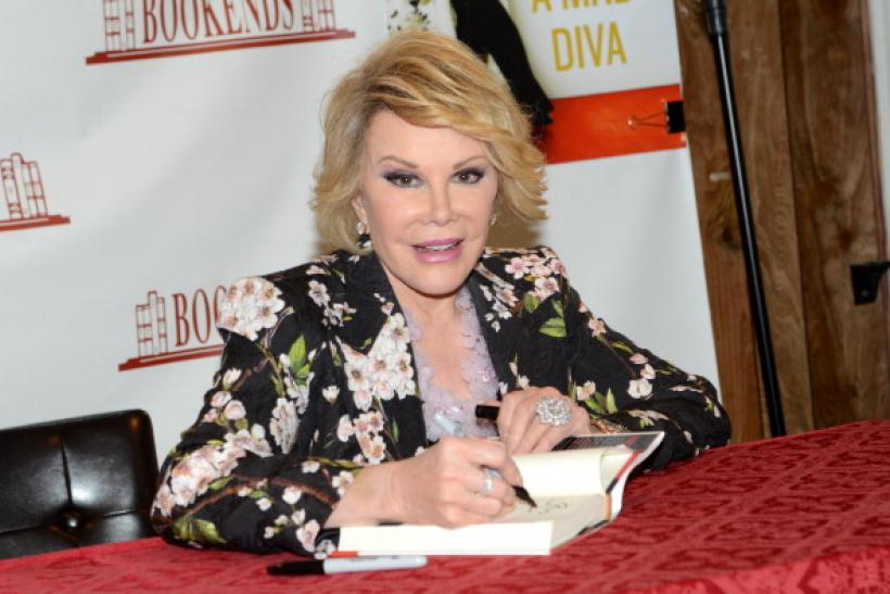 Joan Rivers signing book
