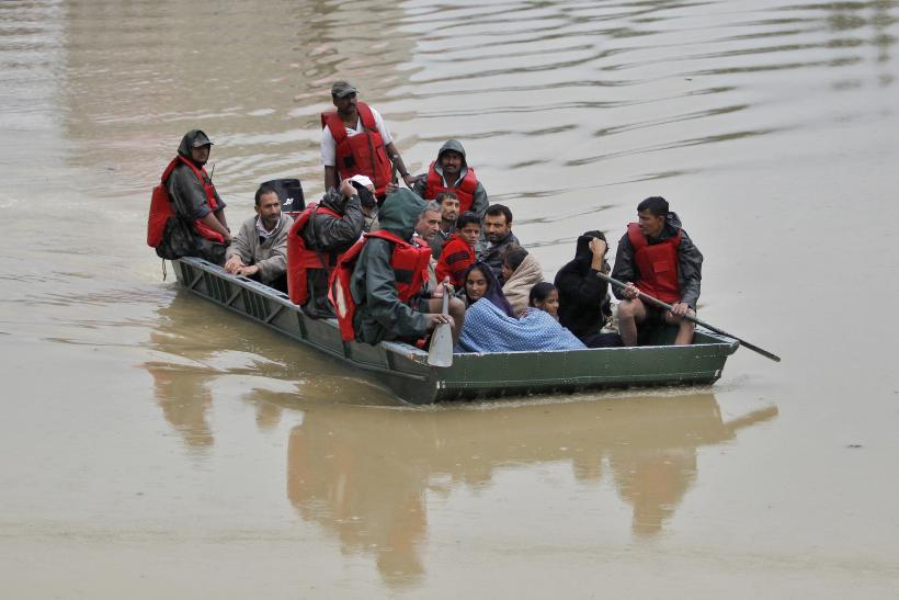 local residents evacuated in Srinagar
