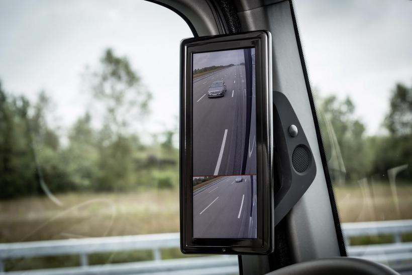 Mercedes-Benz Future Truck 2025: A Vision Of Safer Trucking Where Technology Takes The Wheel